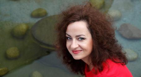 Spotkanie z Joanną Podsadecką – autorką książek o ks. Janie Kaczkowskim