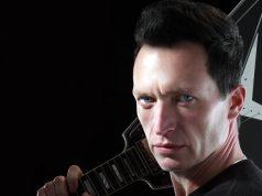 Brytyjski gitarzysta i wokalista  Eddie Angel  zagra 27 marca w Lęborku
